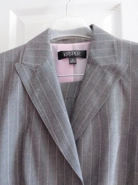 Kasper Kasper gray with pink pinstripes pants suit
