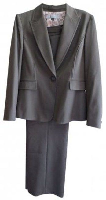 Preload https://item4.tradesy.com/images/elie-tahari-taupe-pant-suit-size-12-l-39348-0-0.jpg?width=400&height=650