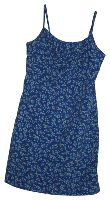 Preload https://item2.tradesy.com/images/express-blue-with-flowers-mini-romperjumpsuit-size-4-s-3934951-0-0.jpg?width=400&height=650
