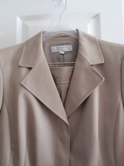 Elie Tahari Tahari khaki/light brown pants suit
