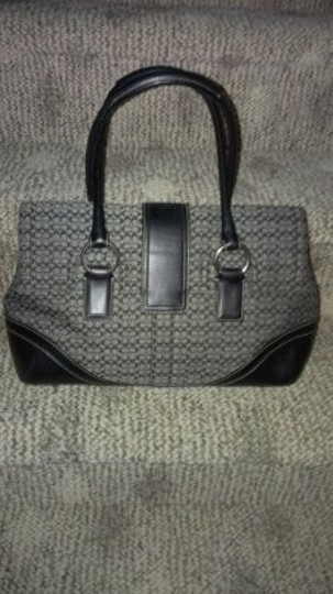 Coach W/Matching Wallet Satchel in Black
