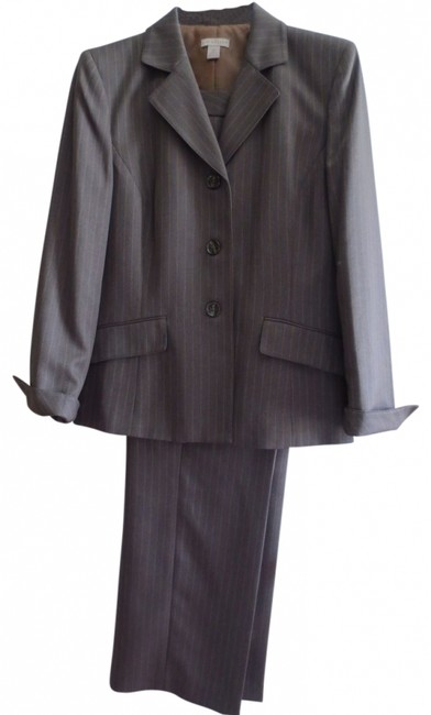 Preload https://img-static.tradesy.com/item/39402/kim-rogers-brown-pin-striped-pant-suit-size-12-l-0-0-650-650.jpg