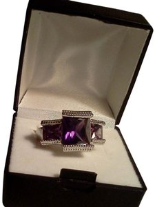925 Sterling Silver Purple cubic zirconia Ring size 7