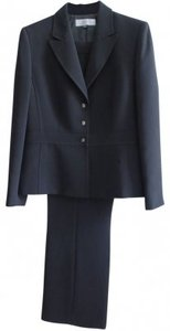 Elie Tahari Tahari black pants suit
