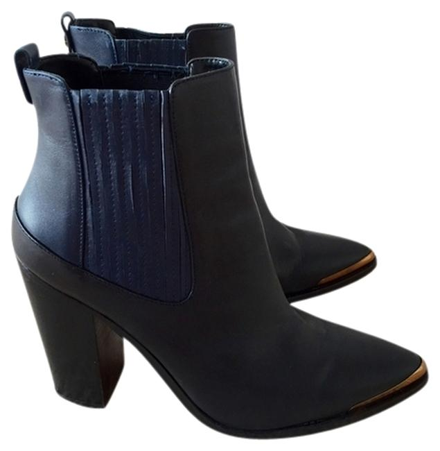 Item - Black and Navy Boots/Booties Size US 8.5 Regular (M, B)