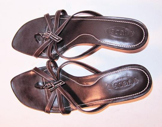Tod's Kitten Heel Thong Flip Flops Slides Brown Sandals