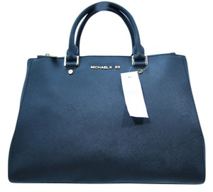 Michael Kors Mk Leather Sutton Tote in Black