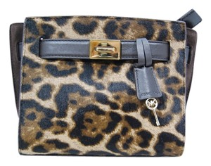 Michael Kors Mk Hamilton Cross Body Bag