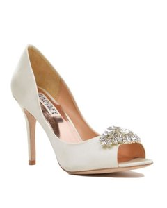 Badgley Mischka Badgley Mischka Lavender-ii Ivory Size 10 Wedding Shoes