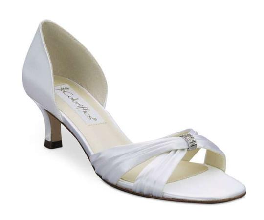 Coloriffics White Fantasy - Matte Satin W/Pleat Sandals Size US 8