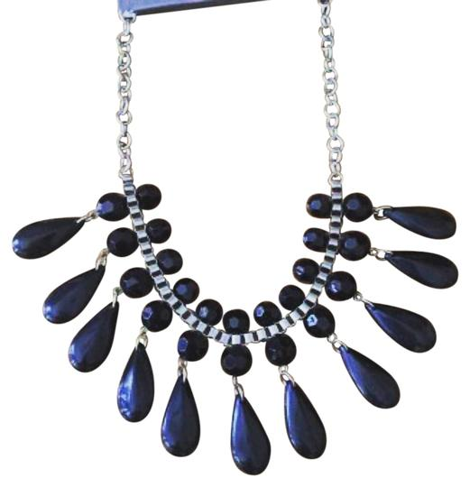 Preload https://item4.tradesy.com/images/other-nwt-black-statement-necklace-3950293-0-0.jpg?width=440&height=440