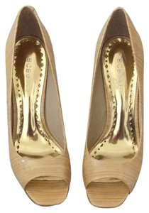 BCBGMAXAZRIA Pumps