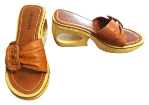 Two Lips Wooden Cut Out Slip On Buckle Size 7 Brown Wedges