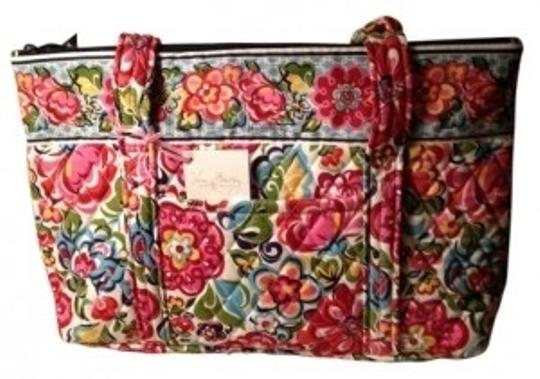 Preload https://item1.tradesy.com/images/vera-bradley-betsy-silhouette-has-a-fresh-smart-look-th-hope-garden-cotton-shoulder-bag-39525-0-0.jpg?width=440&height=440