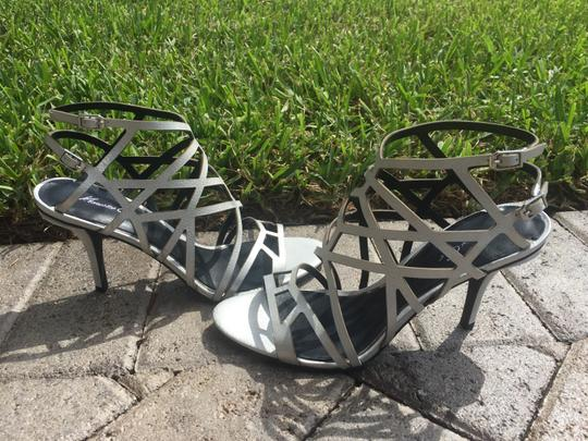 Kenneth Cole Short Heels silver Sandals