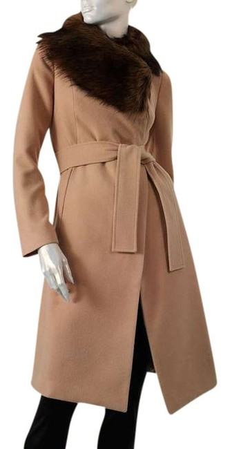 Jennifer Lopez Beige Jacket