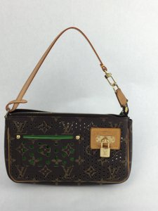 Louis Vuitton Monogram, Vert Green Clutch