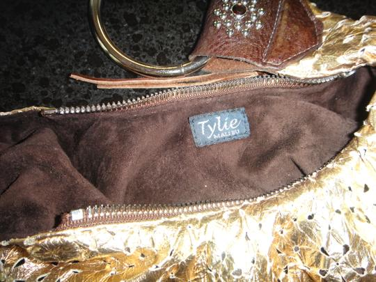 Tylie Malibu Wristlet in Gold Metallic