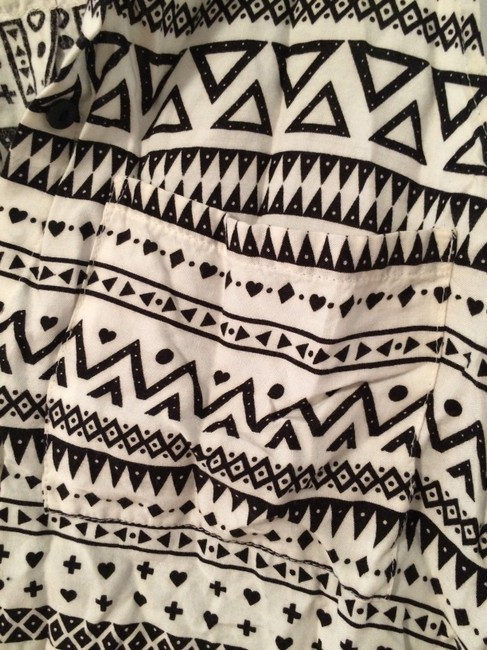 Divided by H&M Tribal Print Sleeveless Trendy Button Down Shirt Black and White