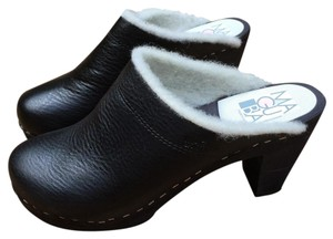 Maguba Swedish Leather And Sherpa Black Mules