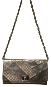 Elliott Lucca Handbag Leather Metallic Silver Convertible Classic Woven Casual Chic Night Out Modern Bronze Clutch