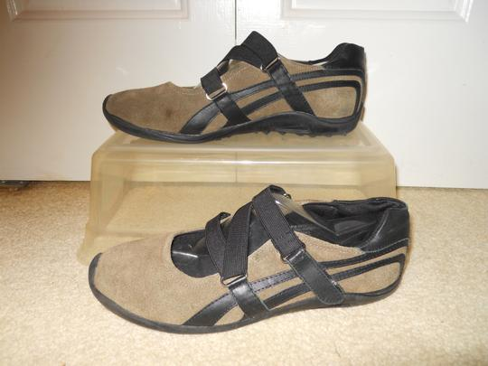 Kenneth Cole Reaction taupe & black Athletic