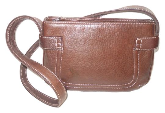 Preload https://item3.tradesy.com/images/fossil-brown-leather-shoulder-bag-3969832-0-0.jpg?width=440&height=440