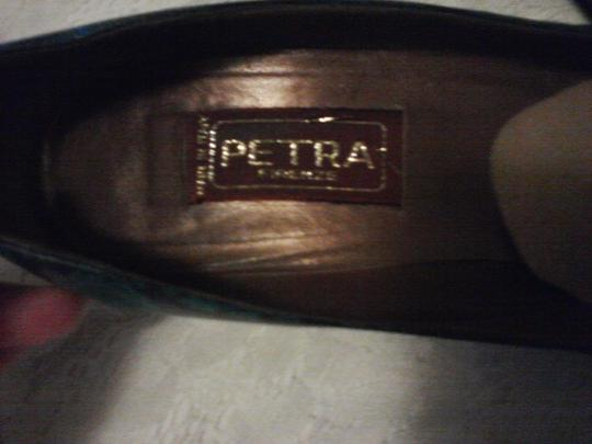 Petra Fashions teal blue and black paisley design Pumps
