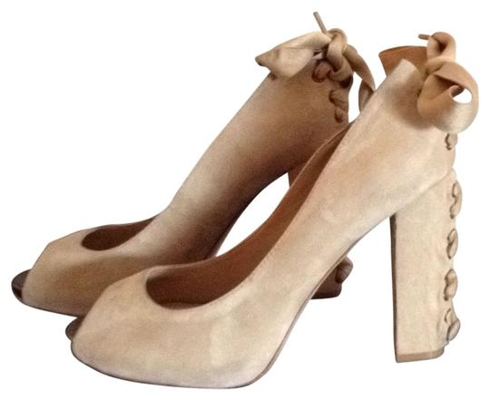 Beverly Feldman Nude Pumps