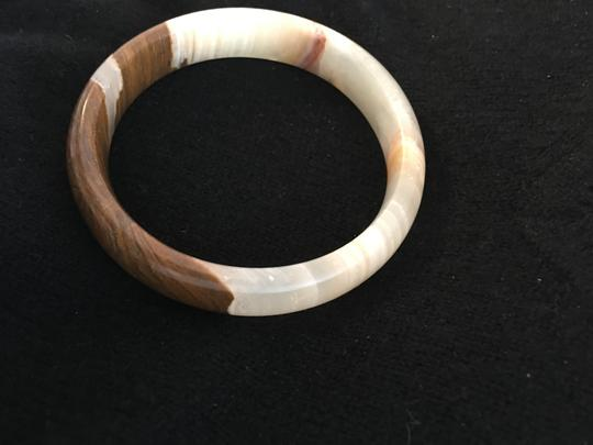 CHINESE ARTIST NEW 100% AUTHENTIC BROWN AND WHITE JADE BRACELET