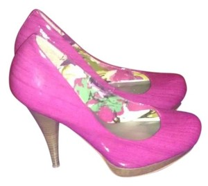 Madden Girl Magenta Pumps