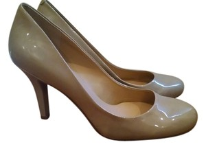Nine West Beige Tan Khaki Nude Pumps