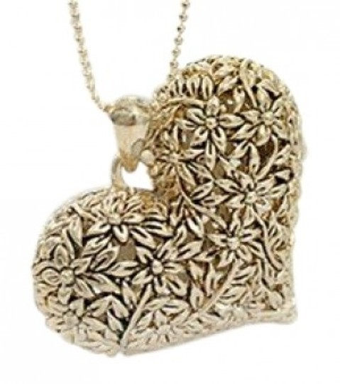 Preload https://img-static.tradesy.com/item/39726/all-around-fem-gold-tone-vintage-style-heart-necklace-0-0-540-540.jpg
