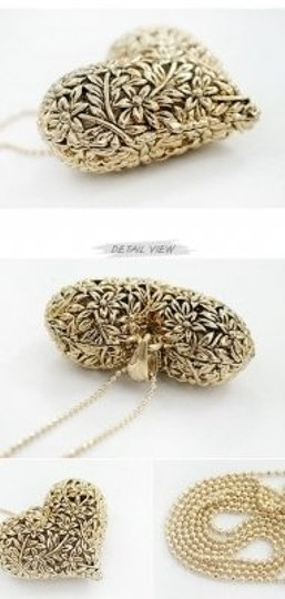 All Around Fem Vintage Style Heart Necklace Gold Tone