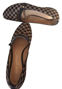 Louis Vuitton Brown/beige damier Flats