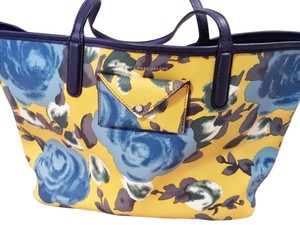 Marc by Marc Jacobs Tote in Yellow / Blue