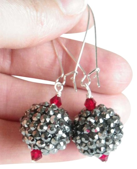 Preload https://item4.tradesy.com/images/grey-red-disco-dangle-earrings-397343-0-0.jpg?width=440&height=440