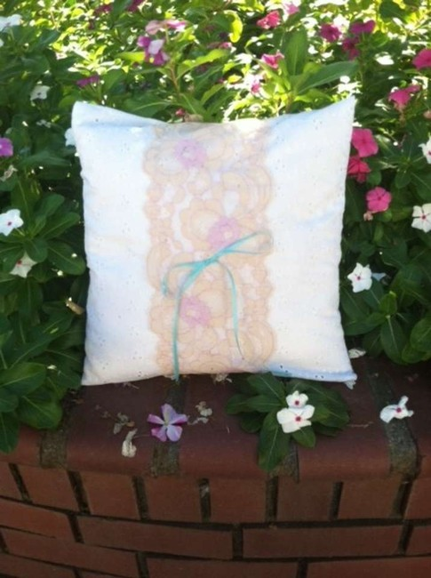 Item - White Eylet and Pink Lace Vintage Ring Bearer Pillow