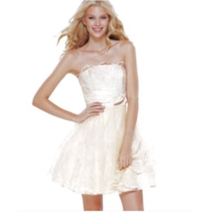 Betsey Johnson Champagne Polyester Acetate Eyelet 77751 Feminine Wedding Dress Size 4 (S)