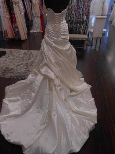 Diamond White Satin Bea Bt139 Traditional Wedding Dress Size 4 (S)