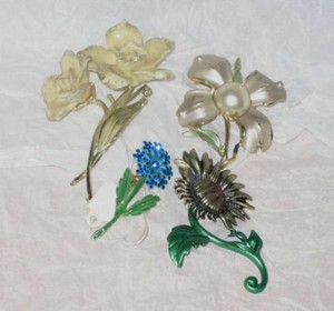 Vintage Vintage Flower Brooches, 4 Pieces