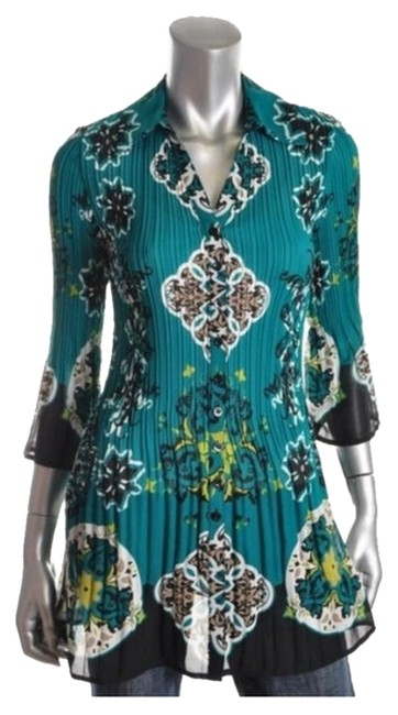 Preload https://item5.tradesy.com/images/alfani-green-multicolor-collection-tunic-size-6-s-3986404-0-0.jpg?width=400&height=650