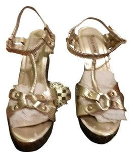 Steve Madden Metallic Gold Sandals