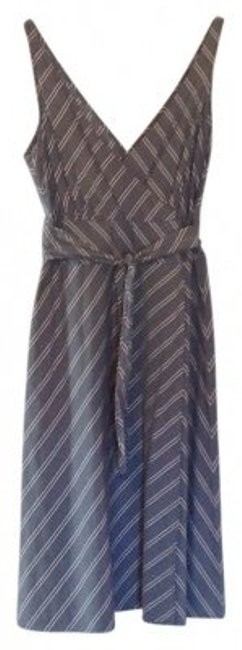 Preload https://img-static.tradesy.com/item/39885/jcrew-chambray-and-white-cotton-wrap-knee-length-short-casual-dress-size-6-s-0-0-650-650.jpg