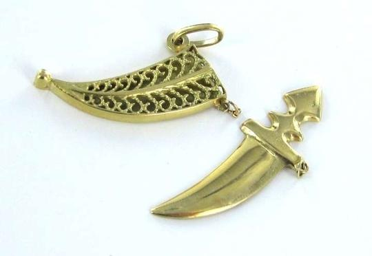 Other UNIQUE 18KT karat Yellow Gold Pendant Dagger in Shields