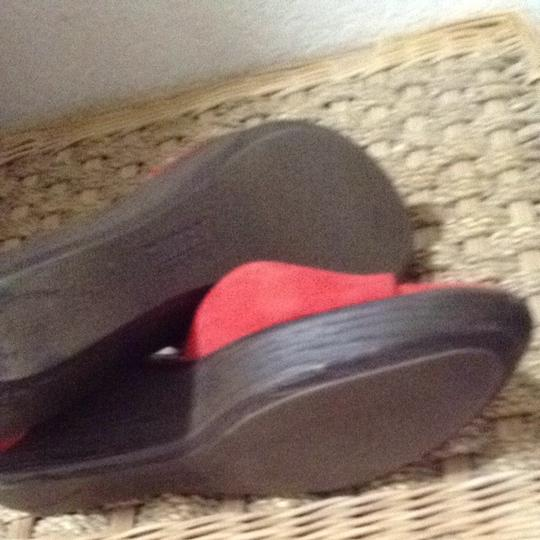 Munro American Red Sandals