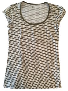 Gap T Shirt White With Grey/tan Dots