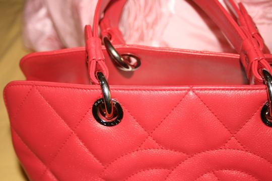 Chanel Gst Grand Shopping Timeless Cc Tote in Red Dark Pink