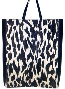 Cline Tote in Black/ White