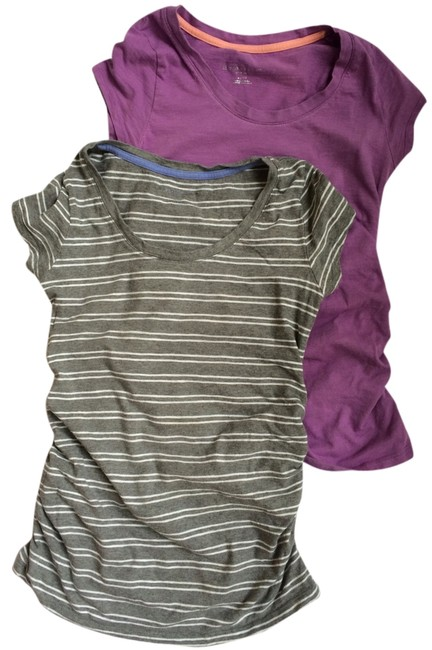 Item - Gray and White Purple 1: Scoop Neck with Ruching Maternity Top Size 2 (XS, 26)